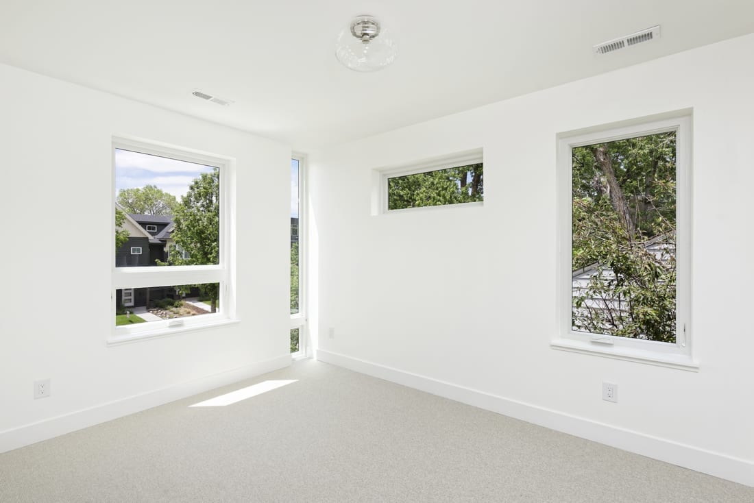 Denver-ModernArchitecture-Bedroom-Windows-Light-1100x734.jpg