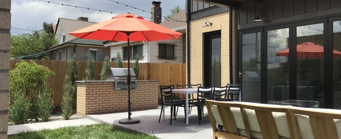Denver-ModernArchitecture-OutdoorLiving-GrillStation-1100x450.jpg
