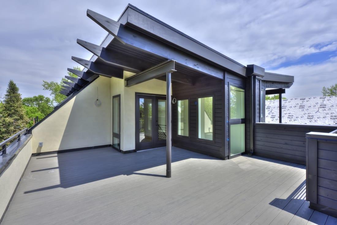 Denver-ModernArchitecture-Rooftopdeck-OutdoorLiving-1100x735.jpg